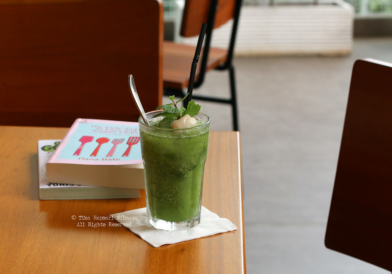 Cozyfield Cafe - Healthy Juice (Avocado, Coconut, Spinach, Honey)