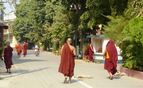 M16-Mandalay-Quartier des moines-Moines (11)