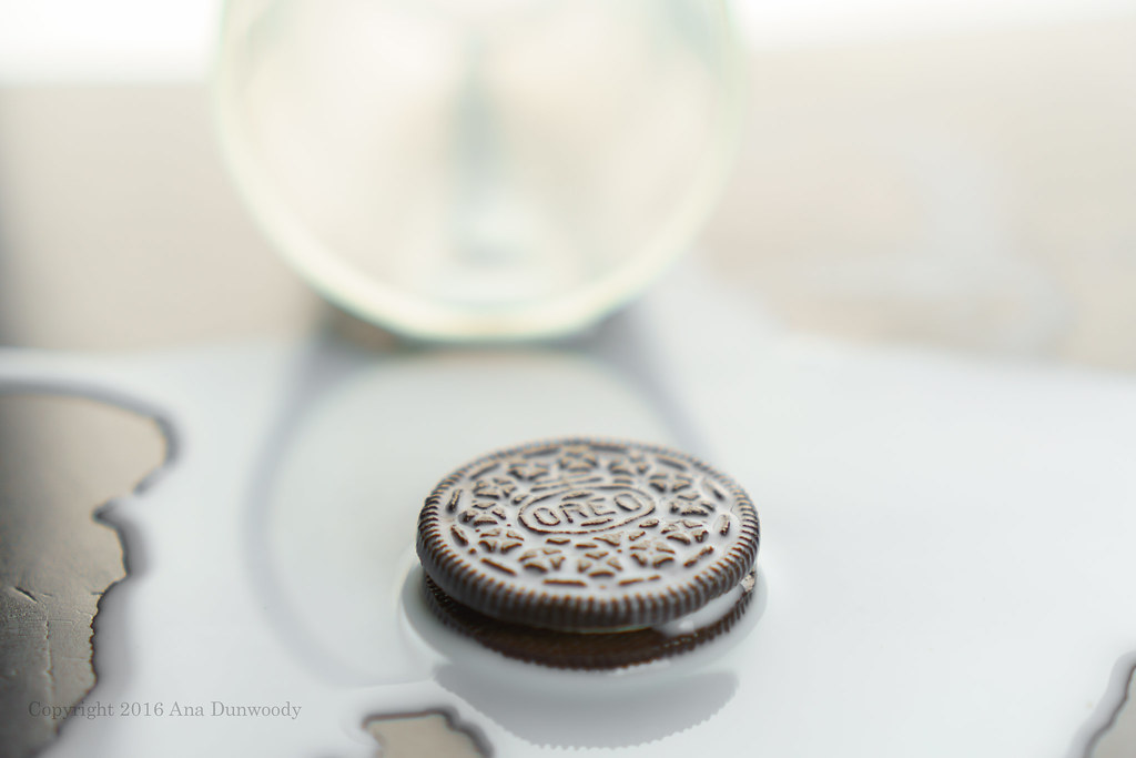 How to Eat an Oreo #2 -with Milk