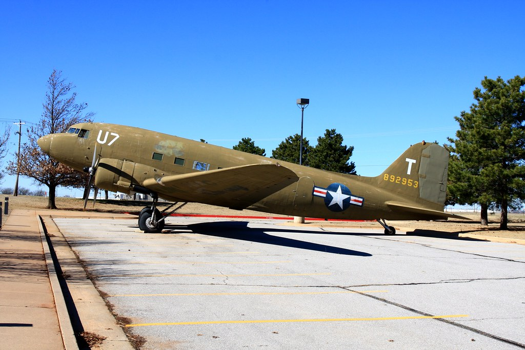 """892953"" Douglas DC-3 at Oklahoma City Airport"