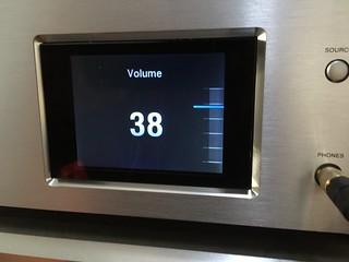 réglage du volume sonore sur l'ampli-casque