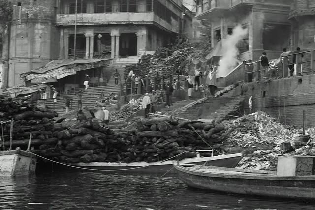 Manikarnika Ghat, a crematorium. Varanasi (India). 27 Dec 2015