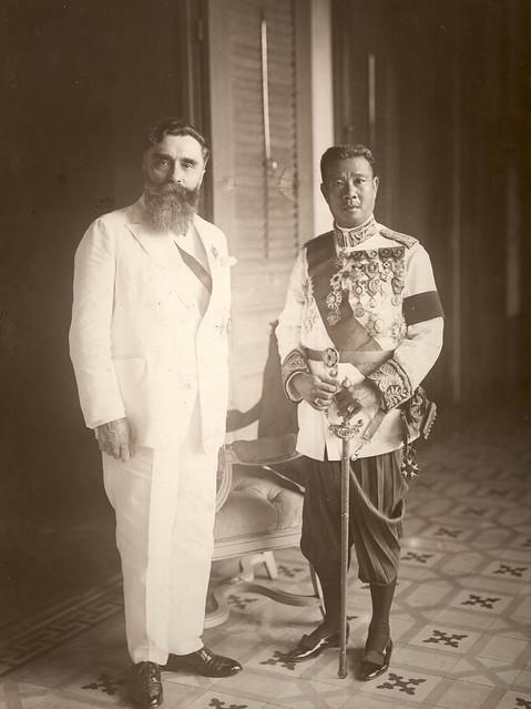 Alexandre Varenne et l'empereur Bao Daï - Vua Cam Bốt Sisowath Monivong, làm vua từ 1927-1941