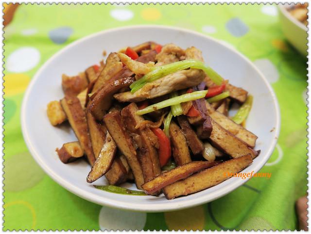 160208 芹菜肉絲豆乾-03