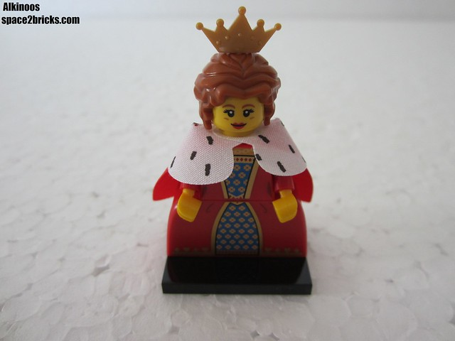 Lego Minifigures S15 la reine p1