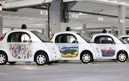 Le Google car si ricaricheranno via wireless