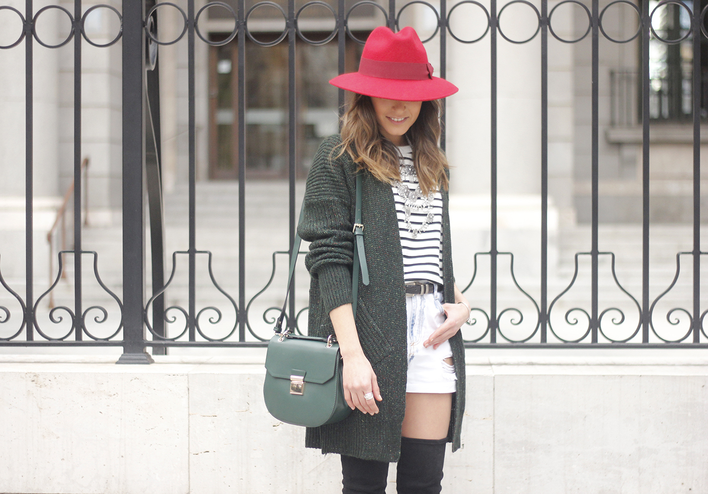 Green Cardigan sheinside denim shorts over the knee boots red hat uterqüe10
