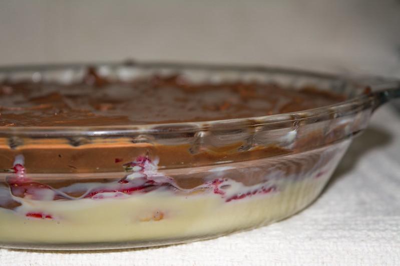Gelado de morango e chocolates