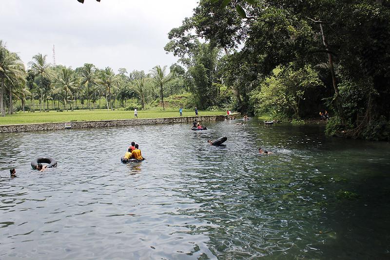 Main di Malang - Sumber Sirah - Pemandangan Timur