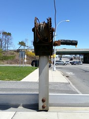 Hand-cranked parking arrow
