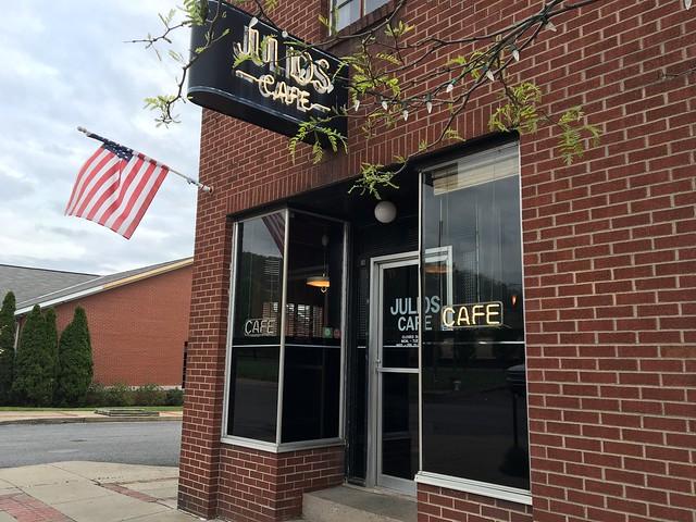 Julios Cafe