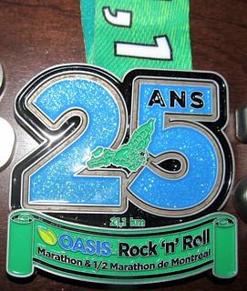 Montreal demi-marathon medal 2015