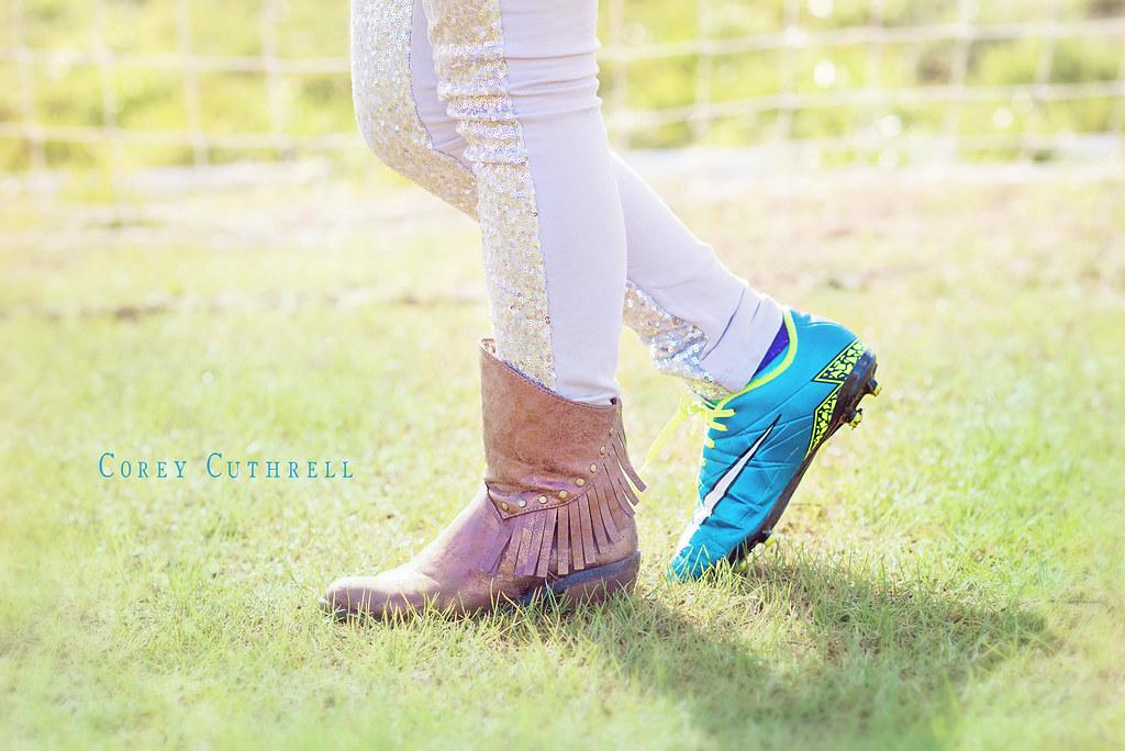 soccer shoe web