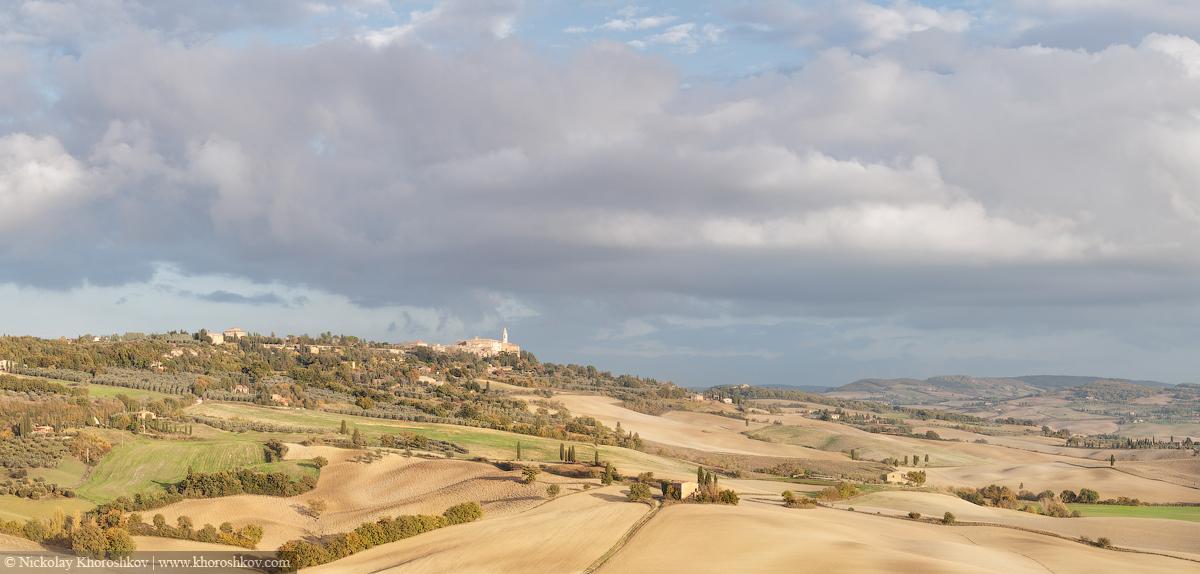 Panorama of sunny Tuscany valley