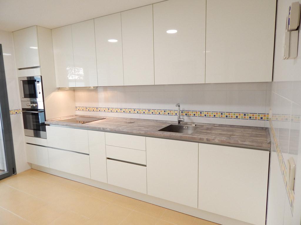 Muebles de cocina blanco y pino vintage  cocinasalemanascom