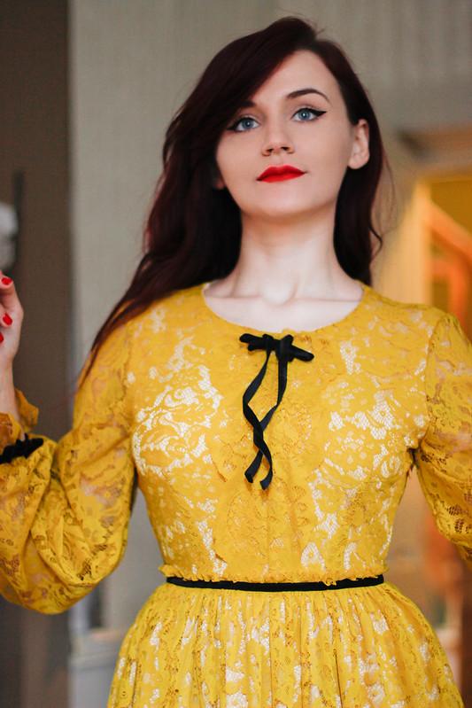 yellow lace3