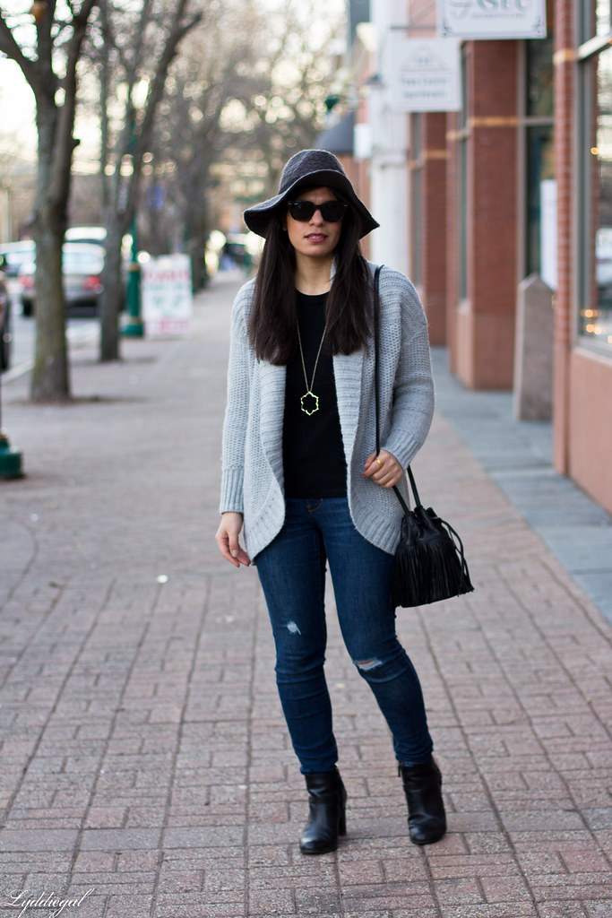 grey cardigan, black tee, grey hat, black booties-1.jpg