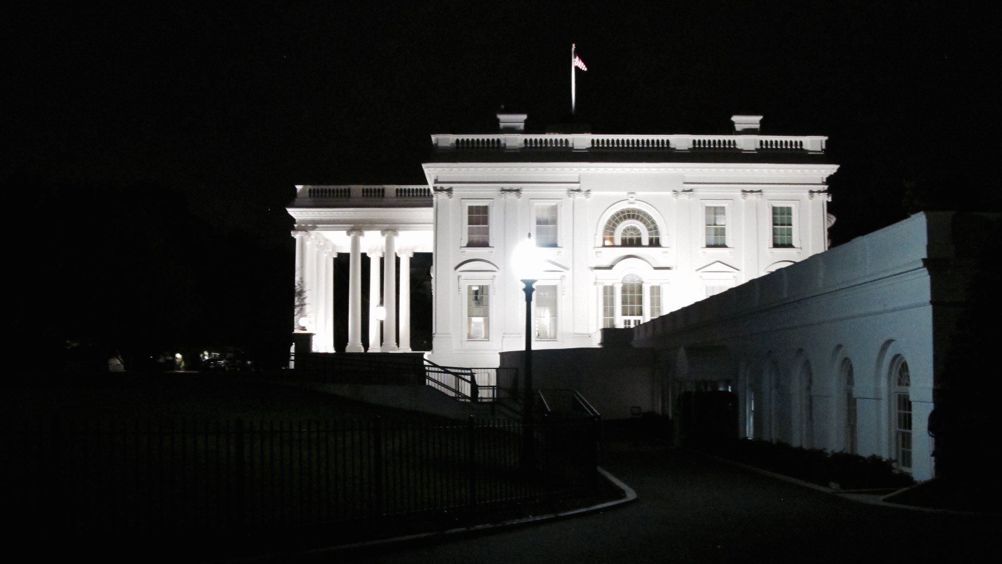 The White House from outside the West Wing.