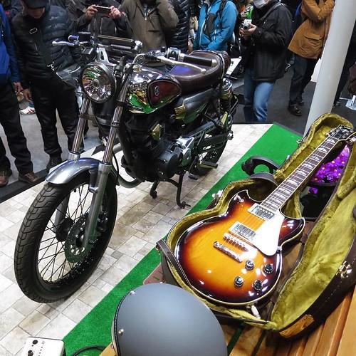 ギターの感じとよく合う、クラシカルなバイク。 #東京モーターサイクルショー