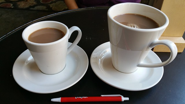 2016-Apr-21 PappaRoti - small and large karak tea