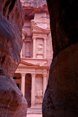 architecture facade petra treasury siq canyon jordan gorge fachada jordania cañon wadimusa