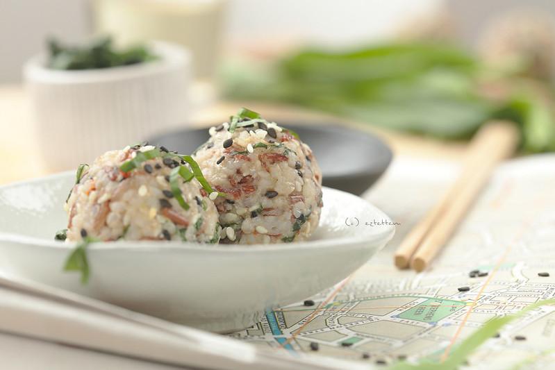 sesame seed-almond riceball