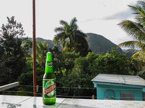 Viñales: une bonne bière cubaine pour fêter notre arrivée dans cette superbe région
