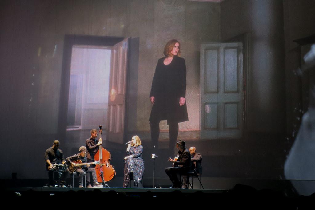 Adele-Live-2016-London-O2-003