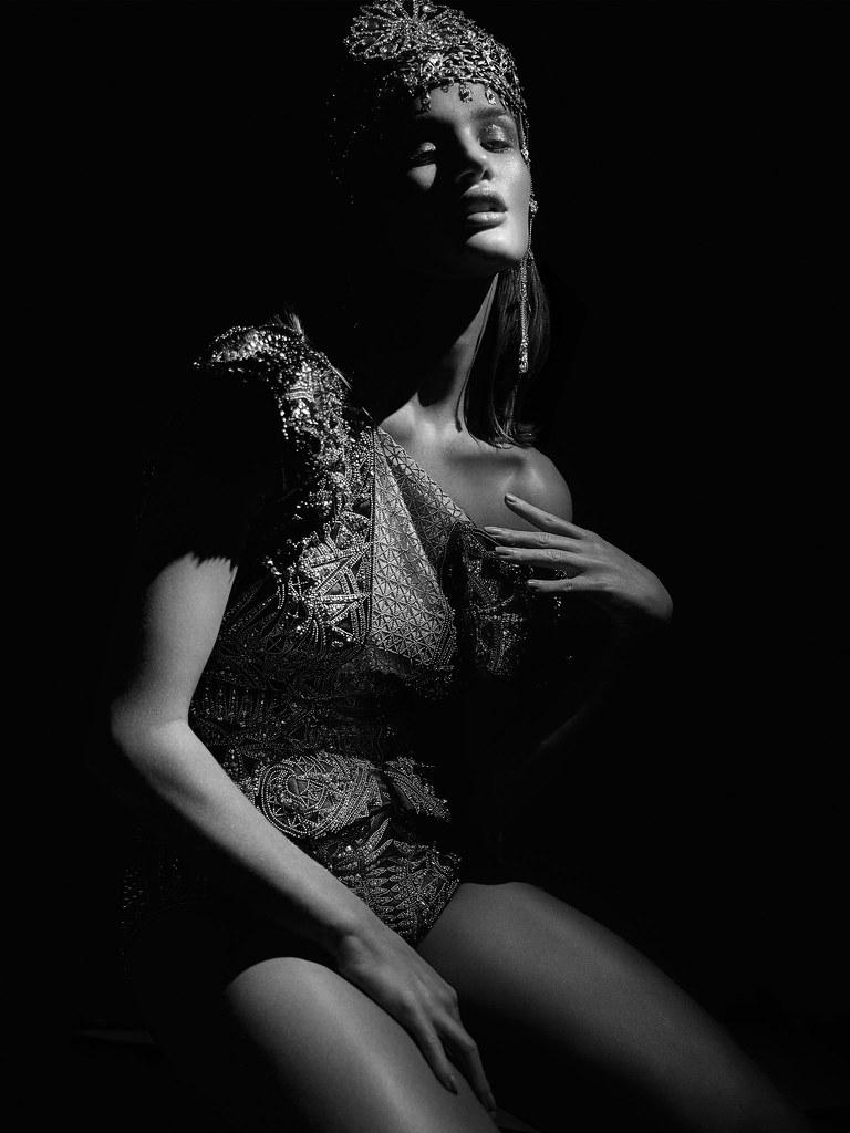 Роузи Хантингтон-Уайтли — Фотосессия для «Hunger» 2016 – 9