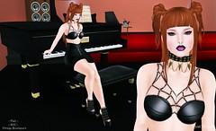 #0163 Piano Bar .