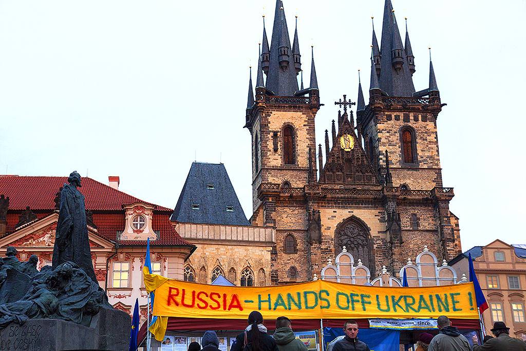 RUSSIA HANDS OFF--Prague 2
