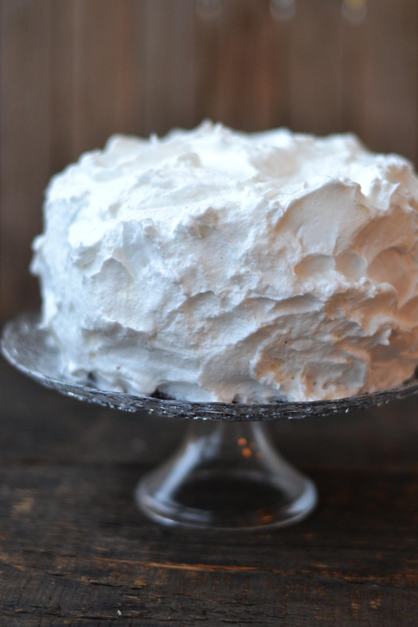 tort cu bezea necaramelizata