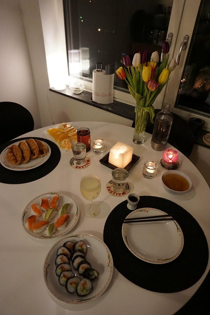 Lördagsmiddag med sushi och piroger
