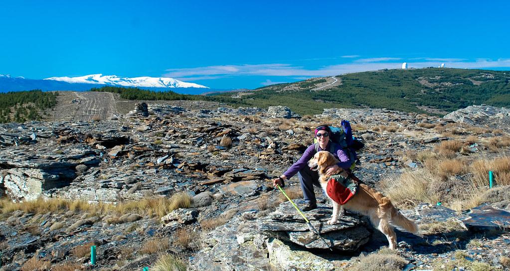 En la divisoria se aprecia Calar Alto y Sierra Nevada