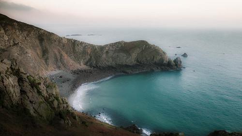ocean blue sunset sea cliff beach strand canon golf zonsondergang blauw waves wave zee 5d normandie nez normandy ef2470mmf28lusm neus klif oceaan golven jobourg