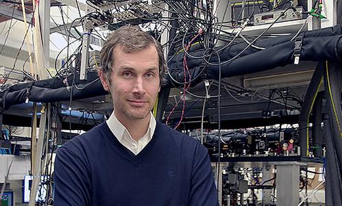 Joseph Thywissen en su laboratorio