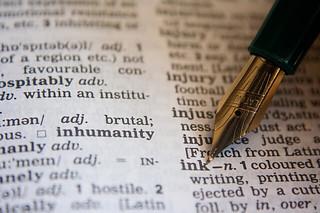 辞書 by pixabay