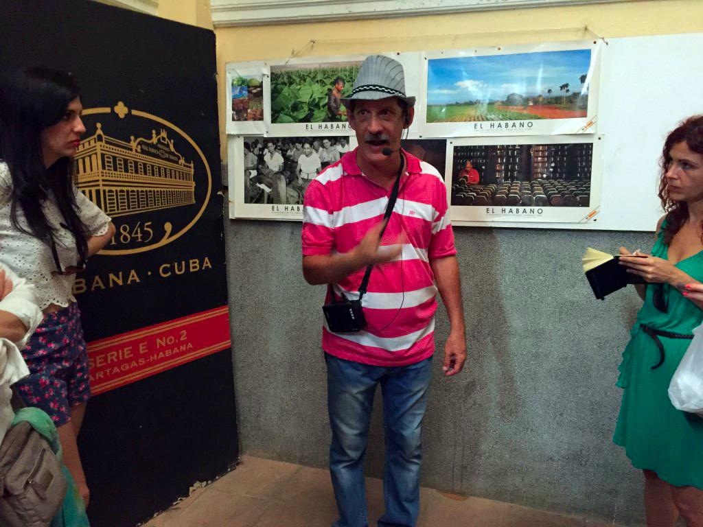 Fabrica de Puros de La Habana en Cuba fábrica de puros de la habana - 25724749604 bc756ef601 o - Visita a la fábrica de puros de La Habana en Cuba