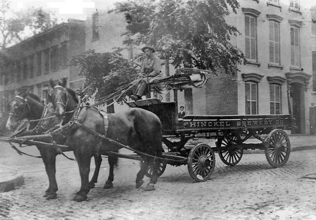 hinckel-brewery-wagon