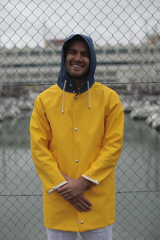 caiágua yellow and blue raincocat 1