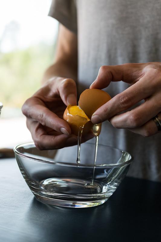 separating an egg