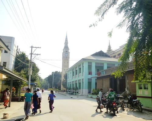 M16-Mandalay-Quartier des moines-Moines (1)