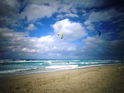 Cuba - Kite Surfers!