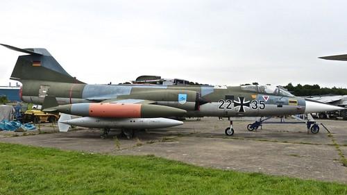 Dennis Basford's 'railsroadsrunways.blogspot.co.uk''Scene' at Bruntingthorpe Airfield Part 2