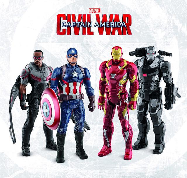 具備聲光的另類收藏!孩之寶《美國隊長3》12吋泰坦電子人物系列: 美國隊長、鋼鐵人、獵鷹、戰爭機器