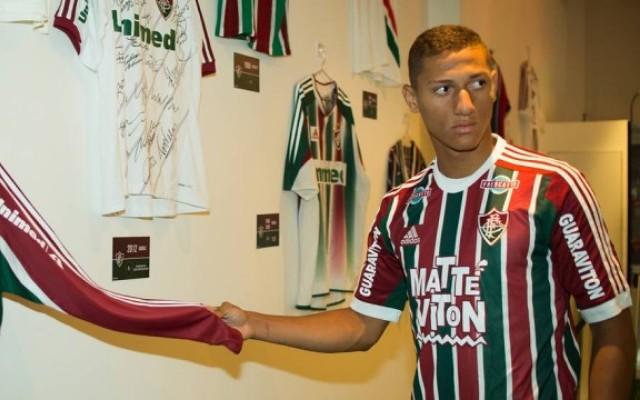 Richarlison � liberado para estrear no Carioca