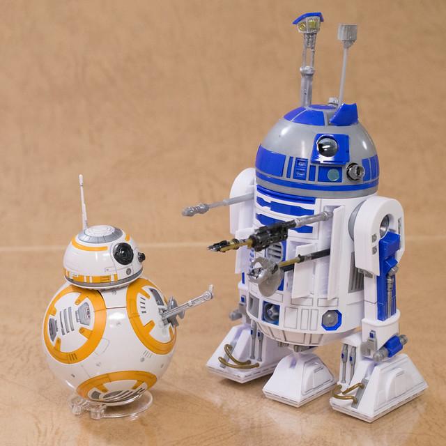レビュー バンダイプラモデル スター・ウォーズ BB-8 & R2-D2 1/12スケール その2