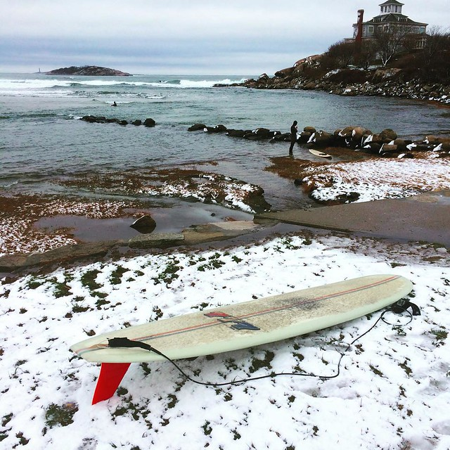 I don't always ride in the snow, but when I do it's in a 777. @tylersurfboards #wintersurf