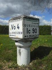 20160428_113426 - Photo of Saint-Priest-des-Champs