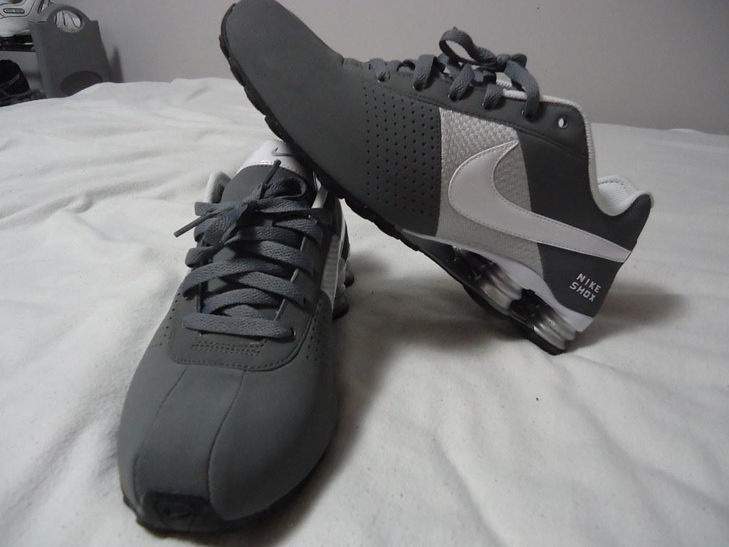 53c1a6101af6ea nike shox deliver grey